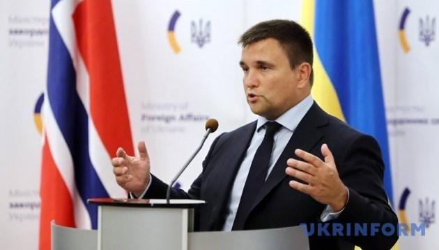 Klimkin: El liderazgo de Francia siempre ha apoyado la liberación de Súshchenko