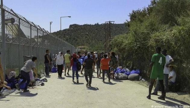 В Греции с островов на материк планируют переправить шесть тысяч мигрантов