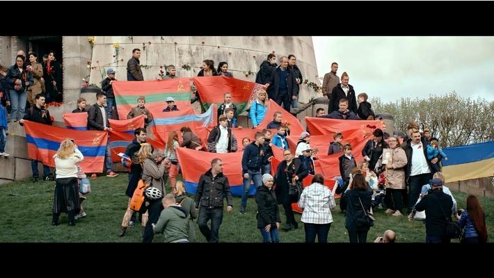 Друге, третє і четверте фото у тексті: Довженко-Центр