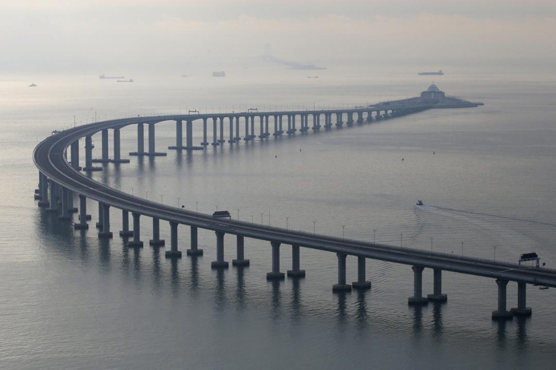 Міст між Гонконгом і Чжухаєм // Фото: AP