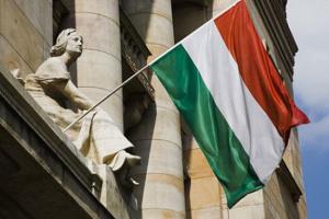 Чотири з десяти іноземців, що приїжджають жити та працювати до Угорщини - з України