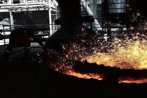 Produkcja przemysłowa w okresie styczeń-październik spadła prawie o 7%