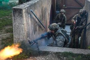 Donbass : Les occupants pilonnent les troupes ukrainiennes avec des obus de mortiers, il y a des blessés