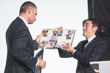 Les frères Klitschko consignés dans le Guinness World Records (photos)
