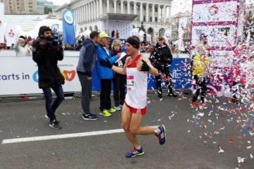 キーウ・マラソン2018、優勝は2年連続ドネツィク州出身のピッドゥブニーさん