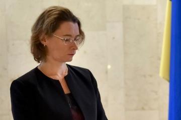 Embajadora de Francia: París sigue la situación en torno al preso político Súshchenko