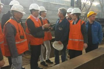 南部ミコライウ市にて、日本の専門家が新しい橋の建設プロジェクト案を紹介
