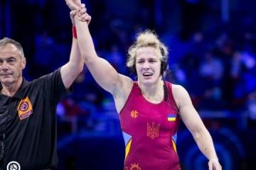 乌克兰选手阿拉•切尔卡索娃斩获摔跤世锦赛金牌
