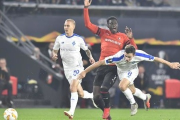 Ten-man Dynamo Kyiv snatches victory from Rennes in Europa League