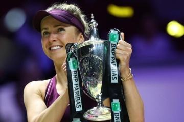女子テニスのスヴィトリナ選手、WTAファイナルで初優勝