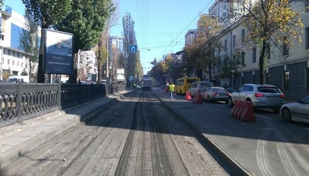 На бульваре Шевченко обустраивают полосу для общественного транспорта