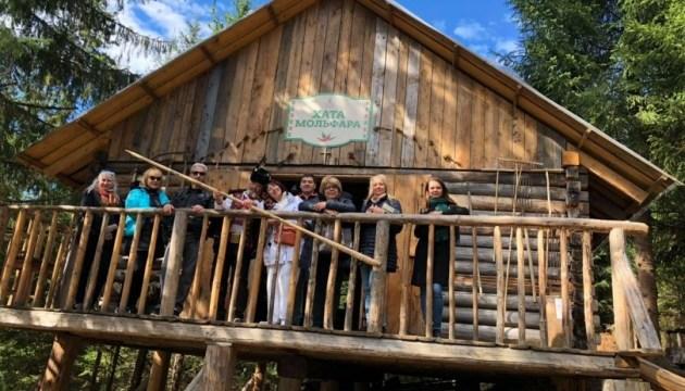 В Карпатах гости из Канады открывали для себя землю предков