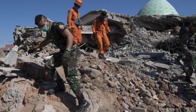 В Индонезии произошло второе за день мощное землетрясение, есть угроза цунами