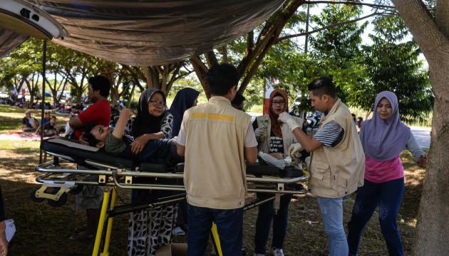 Землетрясение и цунами в Индонезии: власти сообщают о 832 погибших