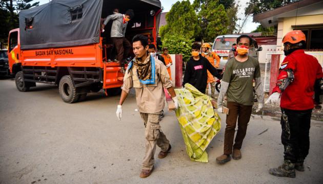Землетрясение и цунами в Индонезии унесли жизни уже более 1700 человек