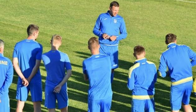 Пластун, Макаренко, Петряк и еще 21 футболист вызваны на матчи сборной Украины