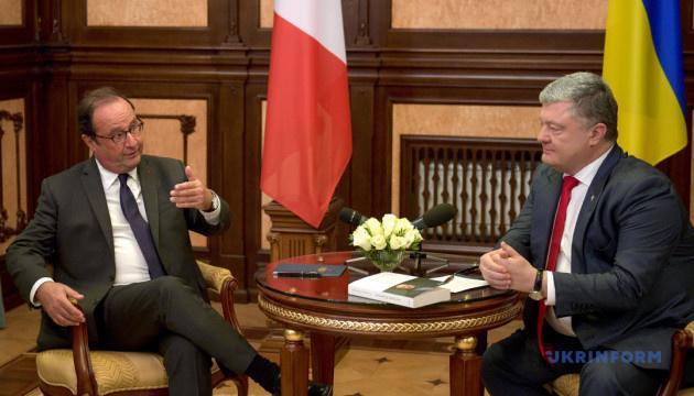 Олланд убежден в необходимости сохранения санкций против России