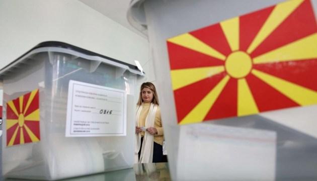 На президентских выборах в Северной Македонии лидирует провластный кандидат