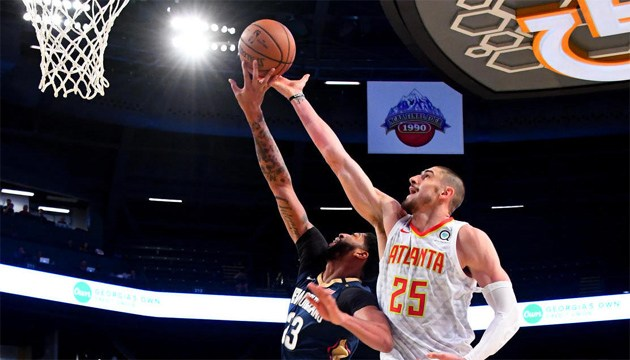 Баскетбол: украинец Лень дебютировал за