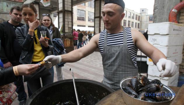 Миколаїв запрошує гурманів поласувати устрицями