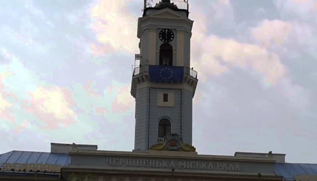"""Смолкшая Ратуша: в Черновцах умер трубач, ежедневно игравший """"Маричку"""" на башне"""