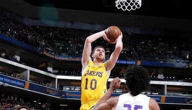 Баскетбол: Михайлюк отыграл 6 минут в своем втором матче за