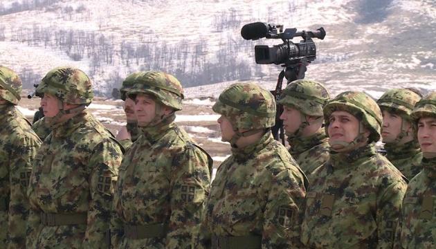 Президент Сербии отменил состояние боевой готовности для армии