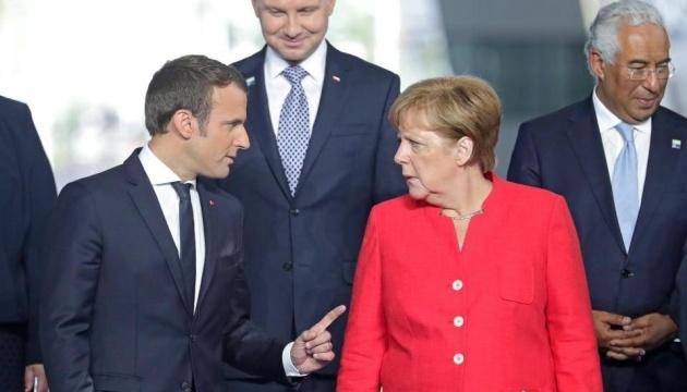 Меркель обговорить з Макроном Білорусь