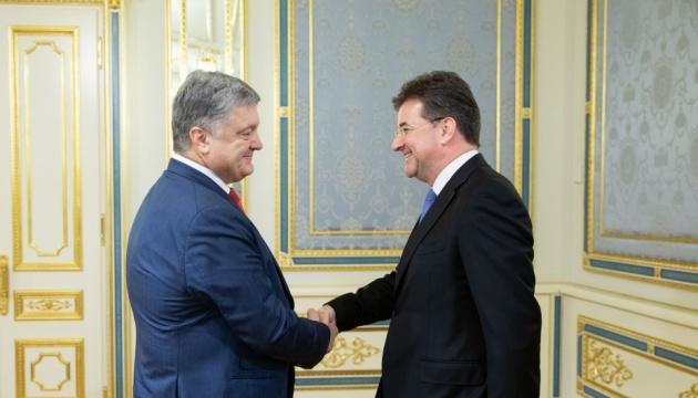Визволення політв'язнів Кремля: Порошенко і Лайчак обговорили аспекти співпраці