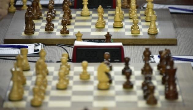 Шахова олімпіада: чоловіча збірна України перемогла Азербайджан, жіноча – зіграла внічию з росіянками