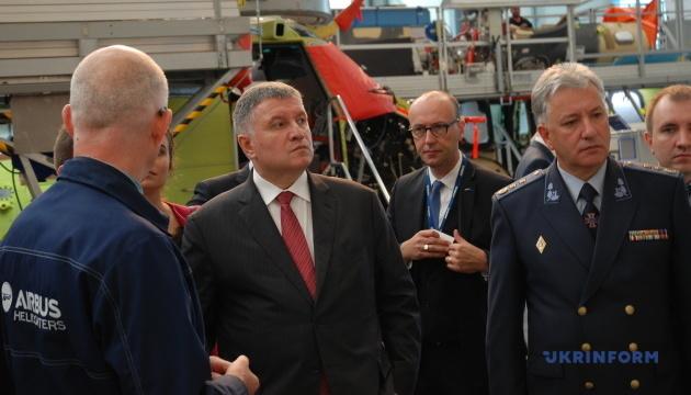 Hauteurs et stratégies: le voyage en France du ministre Avakov