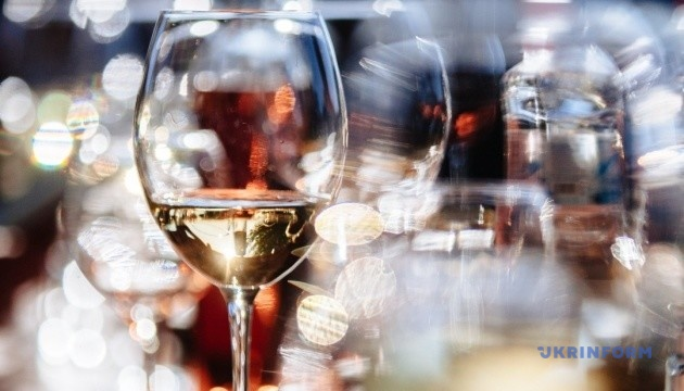 "Скрипка готовит презентацию вин под брендом ""Країна мрій"""