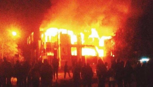 Донбас: в окупованому Антрациті згорів торговельний центр