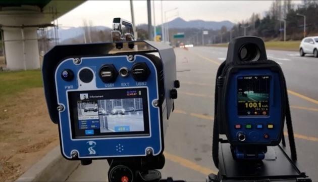 На українські дороги повернулися радари: як і де контролюватимуть швидкість