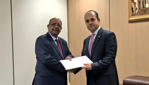Embajador de Ucrania comienza su misión diplomática en Argelia