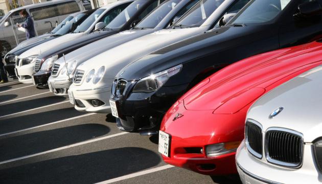 Украинцы стали меньше покупать новых авто — топ-5 лидеров спроса