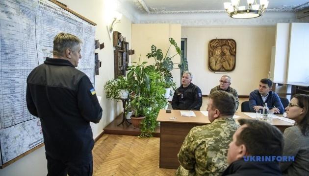 (更新)フロイスマン首相、チェルニヒウ州爆発現場付近に到着:非常事態庁発表