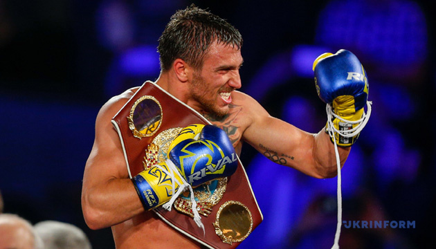 Бокс: Ломаченко розпочав тренування у спарингах перед боєм з Педрасою
