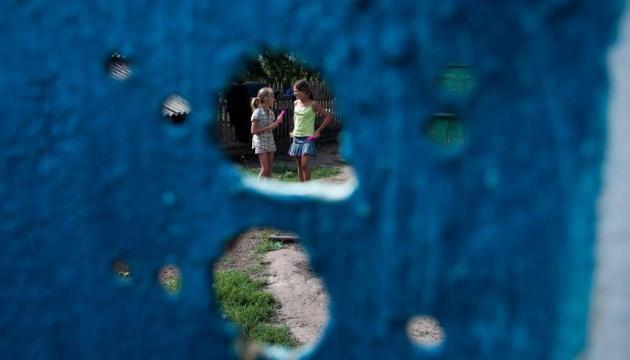 """Berlin: Fotoausstellung """"Kinder im Krieg"""" zeigt Kinder aus der Ostukraine"""