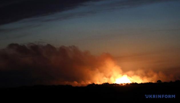Взрывы под Ичней: опасная зона уменьшилась до 100 метров