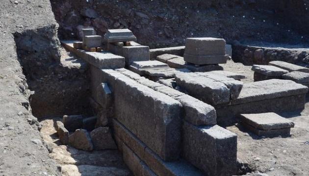 На раскопках в Турции обнаружили могилу, которой 2000 лет