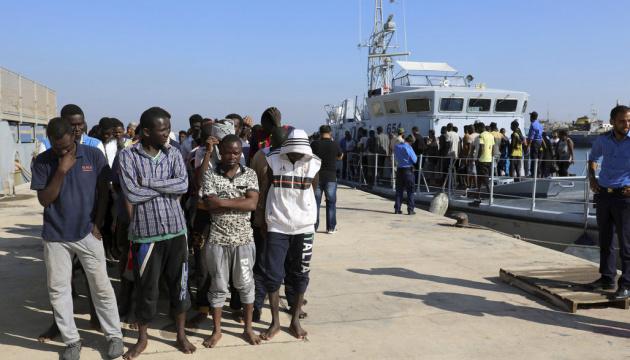 Влада Сицилії наказала негайно закрити табори для мігрантів