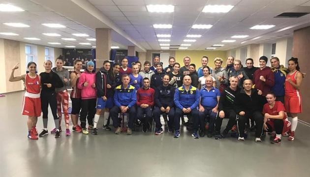 Бокс: женская сборная Украины готовилась к ЧМ-2018 вместе с командой Франции