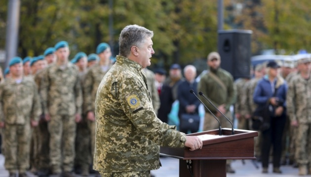 Путин сунет к нам не за Крымом и Донбассом. Ему нужна вся Украина — Порошенко