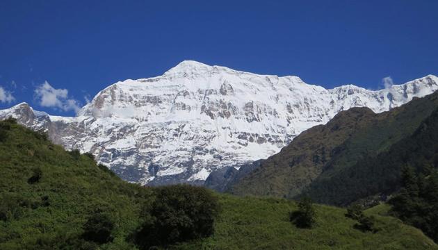 В горах Непала начали эвакуацию тел девяти погибших альпинистов