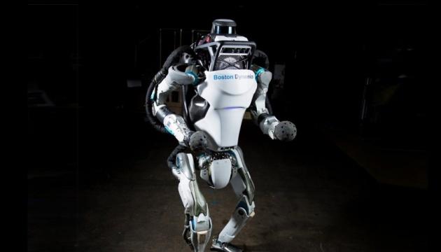 Человекоподобного робота научили паркуру