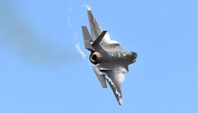 Австралия примет первые истребители пятого поколения F-35