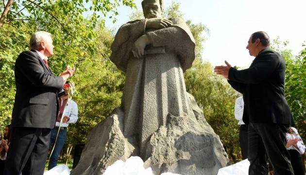 First monument to Taras Shevchenko unveiled in Yerevan