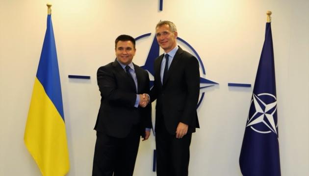 Климкин обсудил со Столтенбергом разблокирование комиссии Украина-НАТО