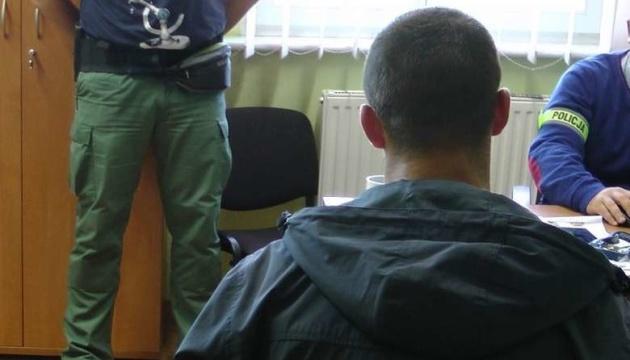 В Польше задержали трех хулиганов за оскорбление украинского таксиста